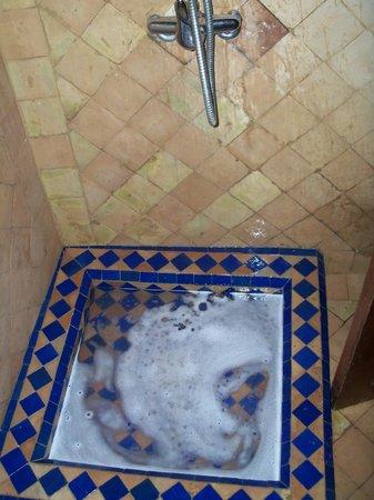 Riad La Bague de Kenza : lo scarico della doccia