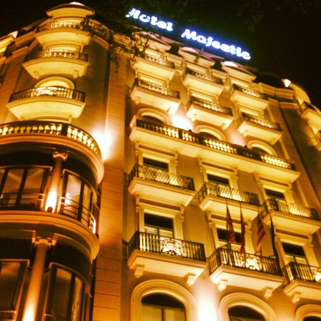 Majestic Hotel & Spa Barcelona : The building