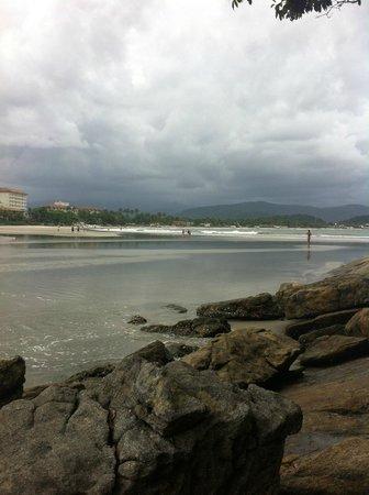 Pernambuco e do Mar Casado Beach: Vista da ilha que fica logo à frente da praia