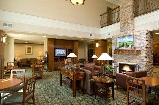 Staybridge Suites Las Cruces : Guest Reception / Dining Area