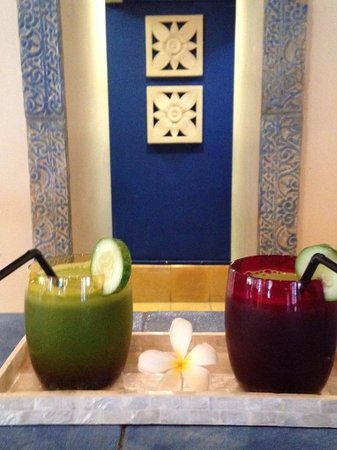 Four Seasons Resort Bali at Jimbaran Bay: Green Juice at the Spa Juice Bar. My morning delight!