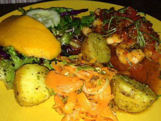 La Casbah: Gamberi al curry con verdure e mango