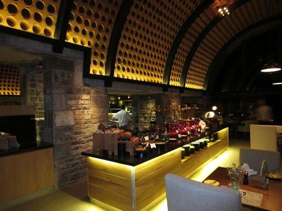 Outrigger Mauritius Beach Resort : Main restaurant