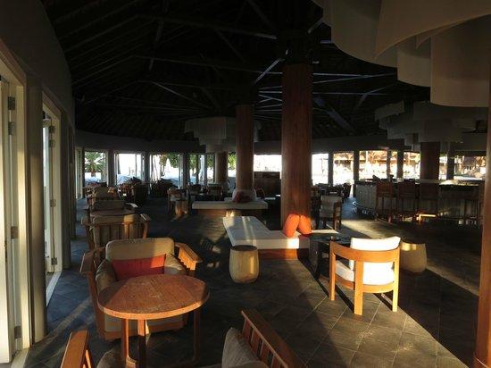 Outrigger Mauritius Beach Resort : Bar Bleu