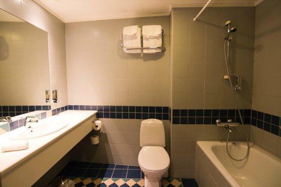 Augustin Hotel : Bathroom