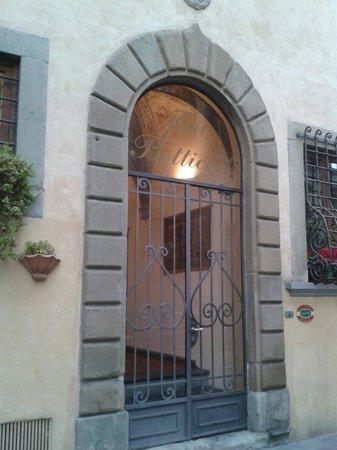 Botticelli Hotel: L'ingresso dell'hotel Botticelli