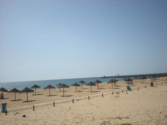 Crowne Plaza Vilamoura - Algarve : beach by hotel