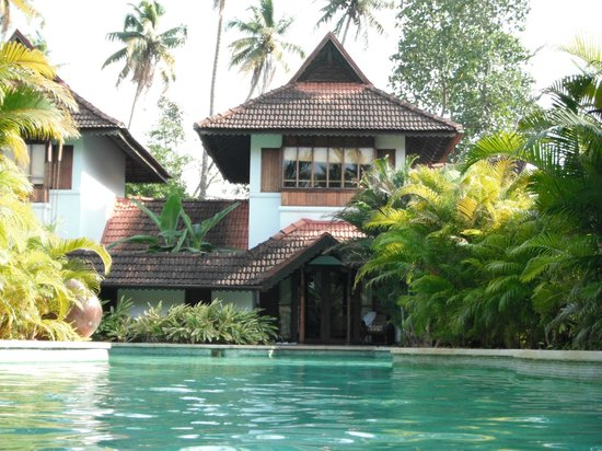 Kumarakom Lake Resort: The two floor meandering villa.