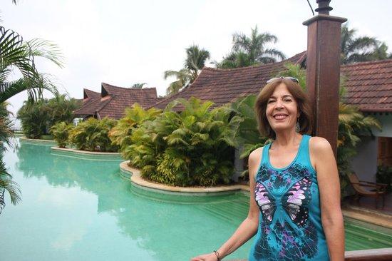 Kumarakom Lake Resort: Views of the meandering pool.