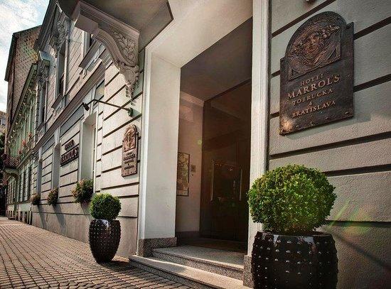 Hotel Exterior (94706992)