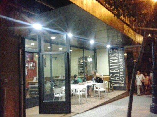 Rias Baixas 1: Entrada del restaurante Rias Baixas Vigo