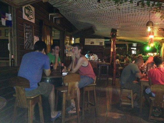 Mana Bar & Restaurant: Vista dall'esterno