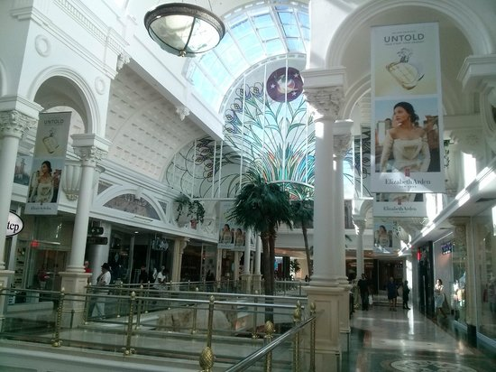Canal Walk Shopping Centre : Galería del primer piso