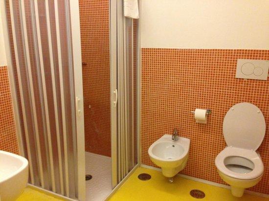 Hotel Correra 241 : Bathroom