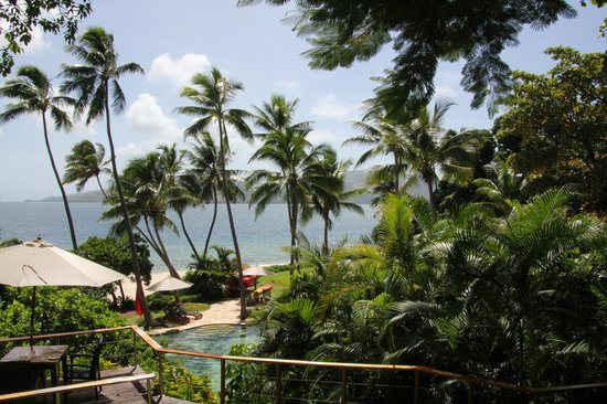 Royal Davui Island Resort: Beach area