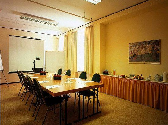 Hotel Excelsior: Conference & Banquets
