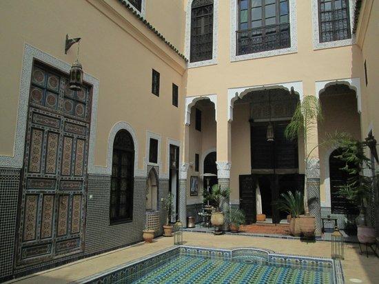 Riad Fes Baraka : Dalla hall