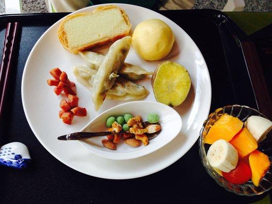 Taroko Aluwa homestay : Artistically presented, organic breakfast