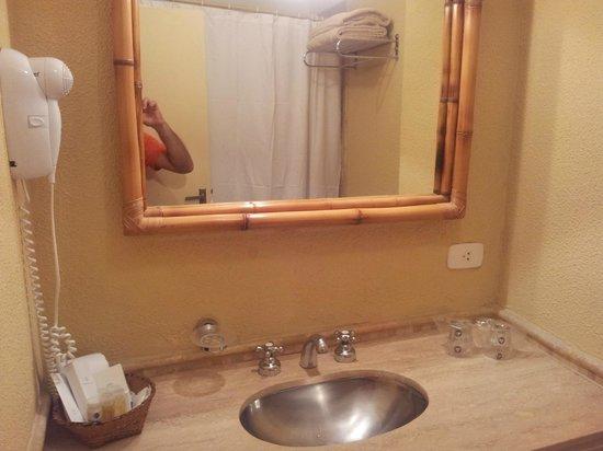 Raices Esturion Hotel : Baño