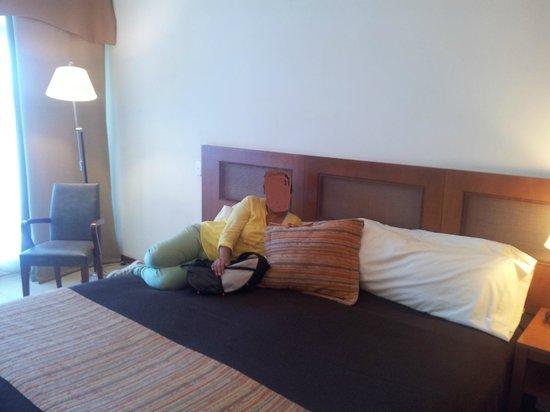 Raices Esturion Hotel: Habitación cama matrimonial
