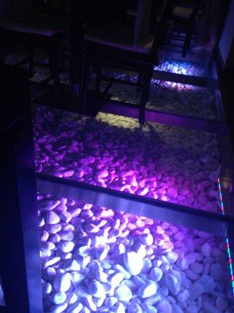 Zu Yi: Pretty floor