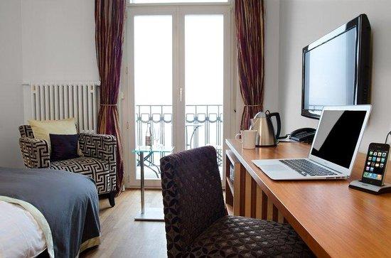 Art Deco Hotel Montana Luzern: Example of a singel room facing the lake