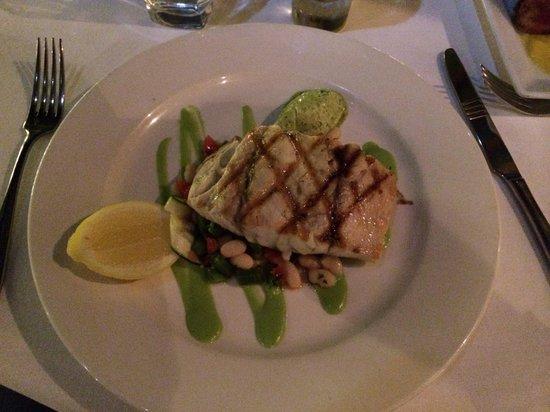 Rickys River Bar + Restaurant: Barramundi with white bean salsa and basil cream