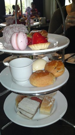 Blythswood Square: Afternoon tea!