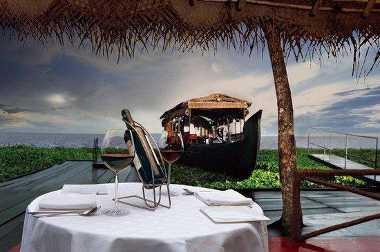 Vivanta by Taj - Kumarakom: Outdoor Dining
