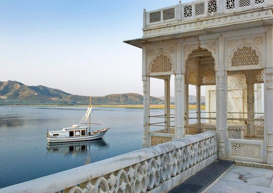 Taj Lake Palace Udaipur: Royal Spa Boat