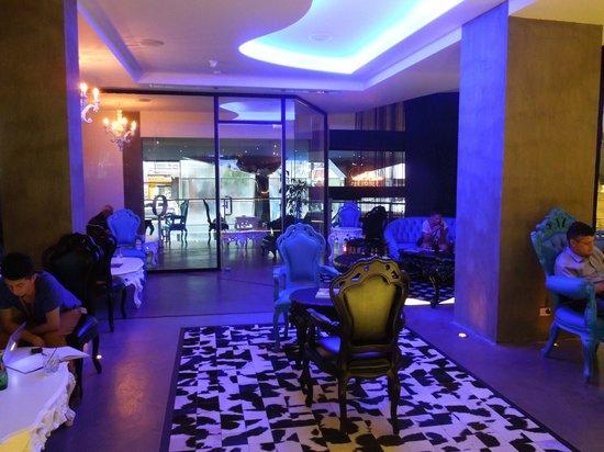Riande Granada Urban Hotel: Hall