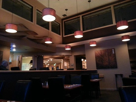 The Surfside Restaurant and Lounge : Dining Room