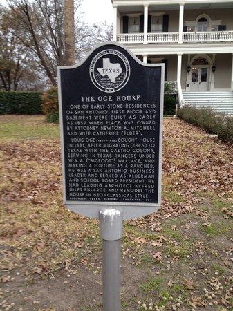 Noble Inns - The Oge House, Inn on the Riverwalk: Front yard