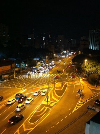 Mercure Sao Paulo Paraiso: Vista da sacada do quarto