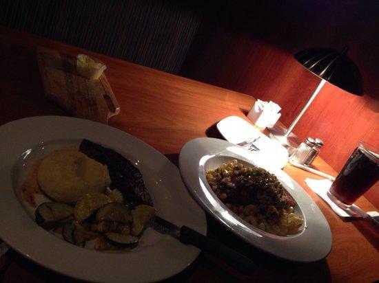 Pepperwood Grille: Spacial week :)