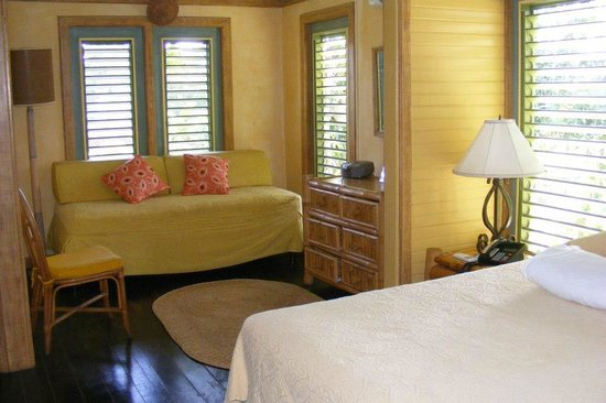 Country Country Beach Cottages: comfy room