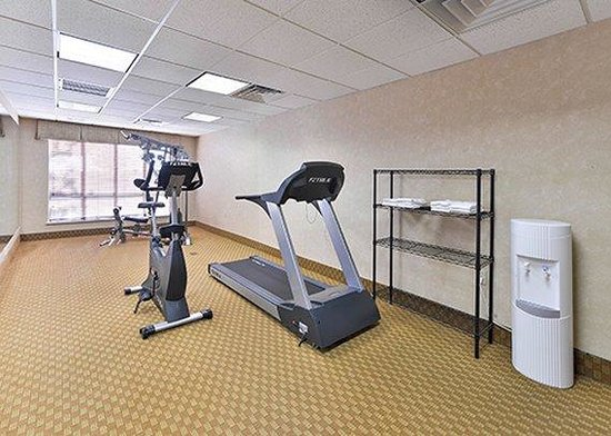 Comfort Inn & Suites Surprise: exercise room