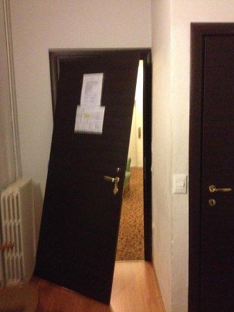 Hotel Medici: porte de la chambre