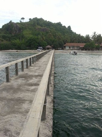 Cocotinos Sekotong, Boutique Beach Resort & Spa: Jetty