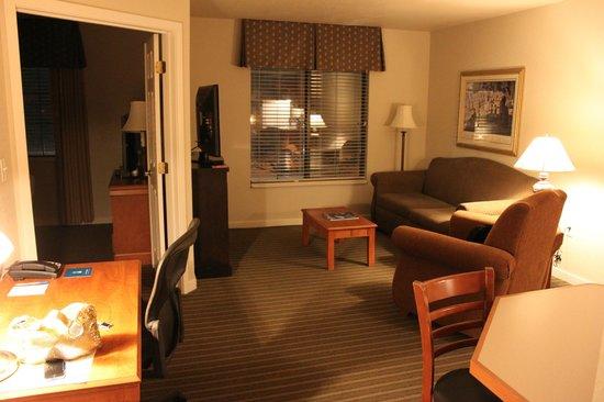 HYATT house Boston/Burlington: lounge area was my favorite