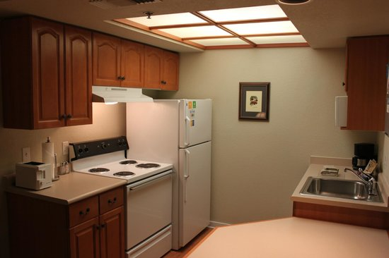 HYATT house Boston/Burlington: Kitchen area is a good touch for extended stays