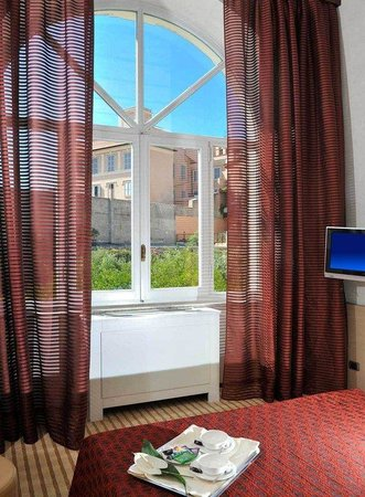Kolbe Hotel Rome : Garden View Room