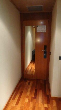 AC Hotel Guadalajara: Entrada a la habitación