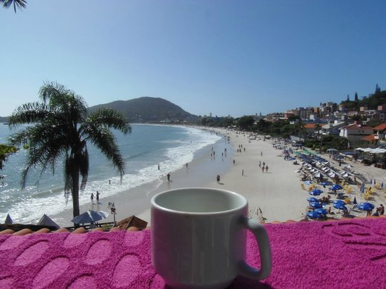 Bombinhas Tourist Hotel e Pousada : Hermosa vista desde el departamento