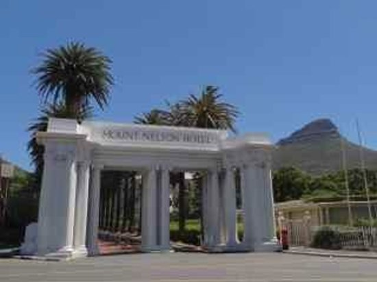 Belmond Mount Nelson Hotel: The 'grand' front gate