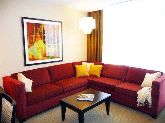 Staybridge Suites Las Vegas: OneBedroom Suite Livingroom