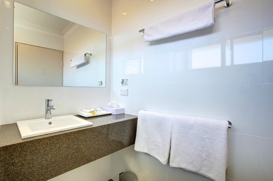 Quality Inn City Centre : Bathroom