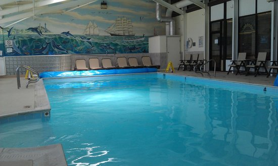 The Oceanfront Inn : Pool with nice, warm water