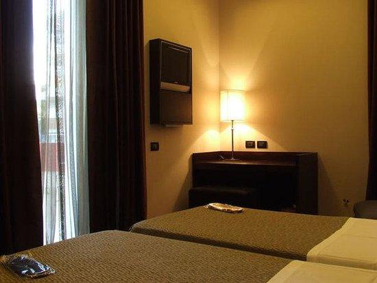 熱迪羅馬酒店