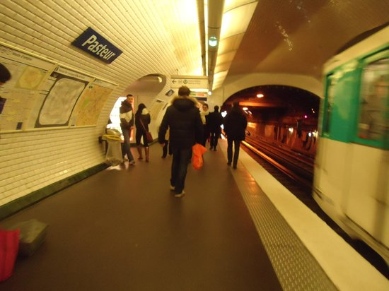 Culinary Tours of Paris: Pigalle Station